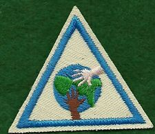 VINTAGE GIRL SCOUT BADGE - BROWNIE GIRL SCOUT TRY-ITS - IT'S A SMALL WORLD