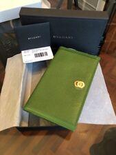 NUOVO Porta carte e assegni BULGARI Bvlgari in pelle verde e logo oro