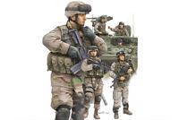 Trumpeter 424 Modern US Army Crewmen & Infantry 1/35 Scale Plastic Model Figures