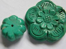 2 sculpté Vert Turquoise Pierres précieuses perles. Fleur/Gourde. fabrication de bijoux/perles