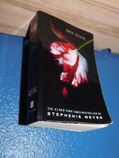 New Moon by Stephenie Meyer paranormal romance paperback  0316024961