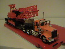 KENWORTH W900 BIG RIG WITH CRANE CONSTRUCTION SERIES 1:32 SCALE DIE CAST
