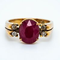 Gold Ring With Ruby and Diamonds
