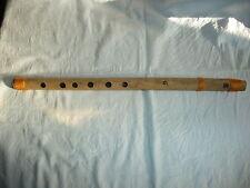 w Musiker altes Musikinstrument Blasinstrument exotische Blockflöte Flöte Bambus