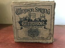 !!!! WINDSOR SPRING PHONOGRAPH!!! MADE IN CANADA!!! VERY RARE !!!