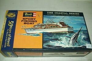 REVELL  SPORT FISHING BOAT   1:56 scale  kit