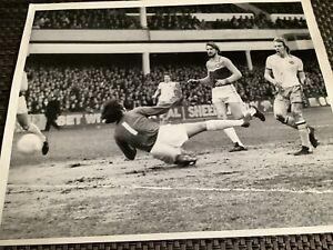 West Ham United v Aston Villa Press Photo 22.1.1977