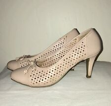 Sale!! Predictions Comfort Plus Women's Heels Beige Eyelets With Bow Size 6