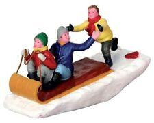 Lemax / 42248 / Toboggan Trouble / Weihnachtsdorf / Weihnachtsfiguren