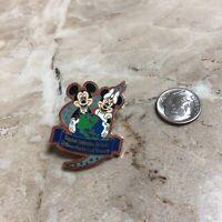 Disney Pin Happiest Celebration on Earth 2005 Mickey Minnie Energizer