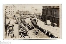 VINTAGE PHOTO VICTORY PARADE SAILOR SOLDIER WORLD WAR ONE Men Women Car Auto USA