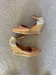 Espandril shoes size 4