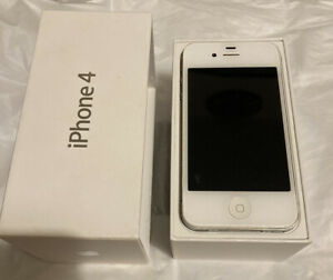 Iphone 4 White 32GB - Status Unknown But Great Condition