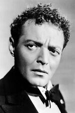 Peter Lorre As Joel Cairo In The Maltese Falcon 11x17 Mini Poster