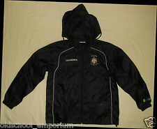 Luton Town / 2005-2006 - DIADORA - VTG MENS black hooded Top / Jacket. Size: M