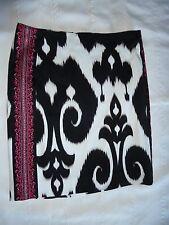 White House Black Market Skirt Fully Lined White Black Pink Cotton Spandex Sz 0