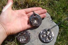 Cool medio AMMONITE FOSIL Colgante Collar de cerámica de barro hecho a mano Gunmetal