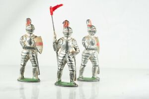 Barclay Manoil Lead Toy Figurines Lot, 3 Kings Knights In Armor Shields And Flag