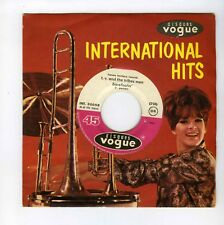 45 RPM SP T.V.AND THE TRIBES MEN BAREFOOTIN /BRING IT ON DOWN