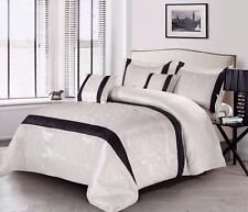 Luxurious Jacquard 3pc Quilted Bedspread / Comforter Set 2 Pillowcases UK Sizes King White