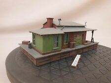 HO SCALE STRUCTURE LAYOUT BUILDING LOT 735 FREIGHT STATION