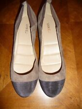 Vanelli Two Tone Brown Wedge Shoes  Size 10B  NWOB