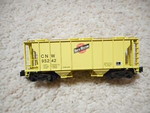 S SCALE AMERICAN FLYER/S HELPER SERVICE CNW COVERED HOPPER