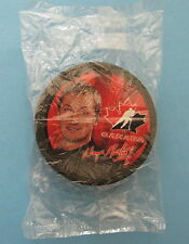 TEAM CANADA NHL 2002 McDONALDS HOCKEY PUCK / WAYNE GRETZKY / BRAND NEW SEALED