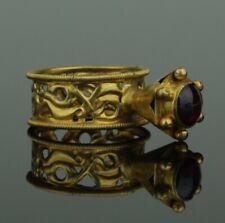 BEAUTIFUL ANCIENT BYZANTINE GOLD & GARNET RING - 8th/12th Century AD     (912)