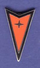 PONTIAC ARROW HAT PIN LAPEL PIN TIE TAC ENAMEL BADGE #1116A