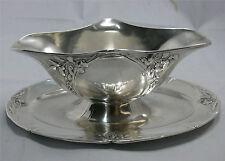 Jolie saucière Gallia, Art Nouveau, métal argenté, très bon état.