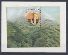 Pilze Mushrooms Funghi  -  Grenada  Block 162    **  (mnh)