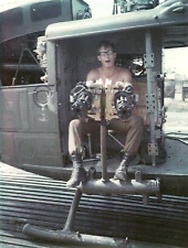 Vietnam War US Army Huey Door Gunner Demonstrates 12000 RPM Amazing 8.5x11 Photo