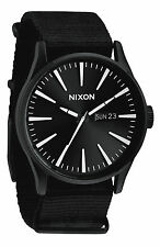 NIXON Sentry Reloj Negro Blanco Chronicle 42 mm Caja de Acero Inoxidable Negro A105005
