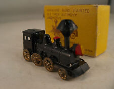 Japan Miniature Antimony old timer locomotive 8 moving wheels en boite 5,5 cm