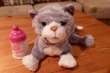 Hasbro FurReal Friends 70058, Neugeborenes Kätzchen, Grau-Weiß batteriebetrieben