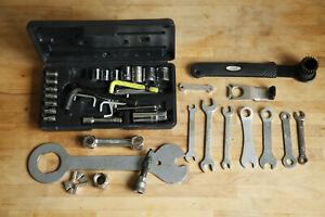 Cyclo / Shimano Rennrad Innenlager /Pedale /Speichen Werkzeug Abzieher Konvolut