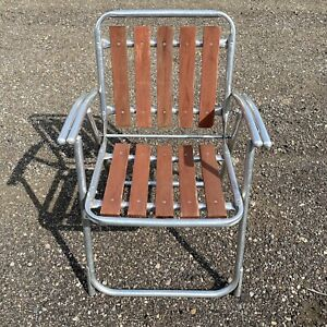 Vintage Red Wood Folding Lawn Chair Wooden Slats Aluminum Shotgun Arms MCM