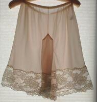 Vintage OLGA pink nylon tricot & lace tap panties pettipants - pillow tab Large