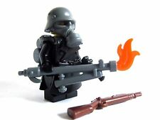Lego Custom FLAMETROOPER WWII Minifigure Soldier with Trenchcoat & Guns