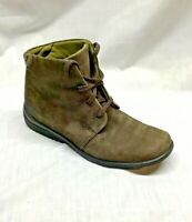 Rockport Sz 6 Women's Brown Suede Leather Lace Up Ankle Chukka Boots