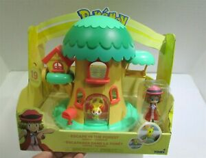 Pokemon Petite Pals Escape in the Forest Playset 19 Pieces