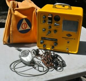 MINT GONSET CIVIL DEFENSE COMMUNICATOR III 2 METER MICROPHONE AC/DC PLUG CASE