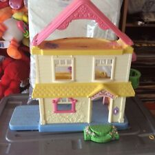 DOLLS HOUSE.FISHER PRICE 2005