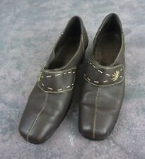Women's Tsonga Pump Shoes / Brown Leather Decorative Stitching South Africa US 9
