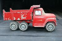 Ertl INTERNATIONAL IH Loadstar HYDRAULIC Dump Truck - pressed steel