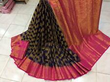 Contrast dancing peacock border with  butta all over silk saree blouse running
