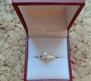 STUNNING 18CT GOLD 0.62CT MILLENNIUM SOLITAIRE DIAMOND RING