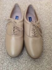 Ladies Easy Spirit Leather Shoes NEW In Box Size 7.5