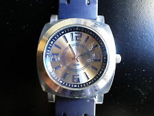 Reloj de pulsera con la marca conocida SOLÉ  (pila/bateria agotada) Buen estado